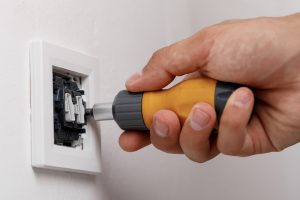 Installing a light switch DIY